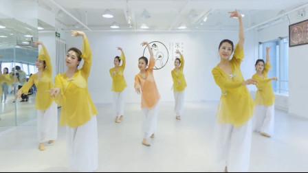 古典舞《伶人》,真所谓活到老学到老,什么时候开始跳舞都不晚