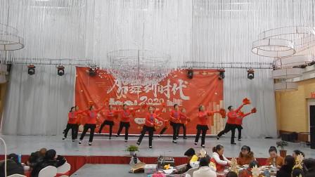 安州区雎水镇青云老年舞队舞蹈《把福带回家》
