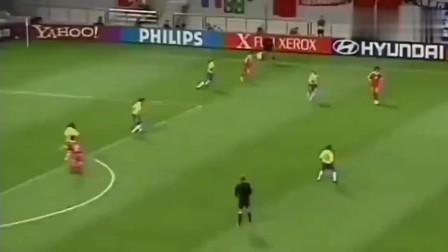 国足最鼎盛的时刻,输了比赛,但无一人责怪,因为真的拼了!