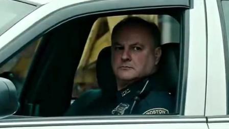 好尴尬的劫匪,下车就遇到!