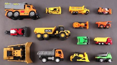 工程挖掘机玩具展示