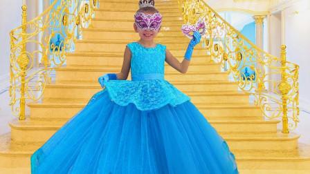 国外时尚小女孩,参加城堡舞会,没有合适的裙子怎么行!