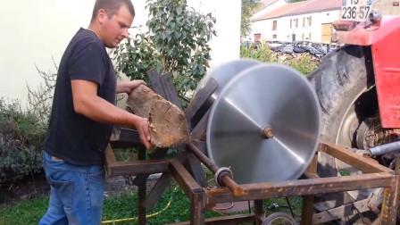 """农民用""""拖拉机""""制作砍柴工具,一天砍60吨木头,40元造一个"""