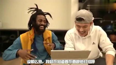 老外看中国:外国人看《左手指月》!中间小男孩的评价:超出意料!