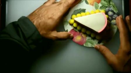 如何用橡皮泥做蛋糕