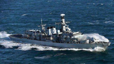 一艘东方货轮驶向关键海域,美舰拦截失败:半路杀出一艘军舰