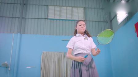 爱芘公主:四个同学一起上,都被安珠拉打败了,实力太强了!