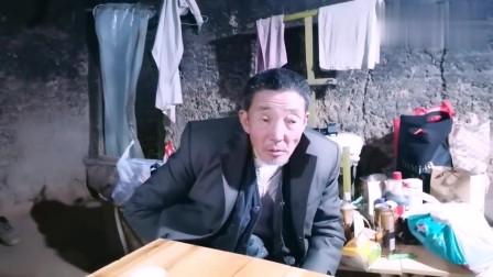 最后的棒棒:河南吃了两盆米饭还没吃饱,又去吃香蕉老甘说他饭量小了