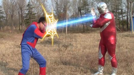 蜘蛛侠练拳击找奥特曼报仇,谁料奥特曼不按套路出牌,这下完蛋了
