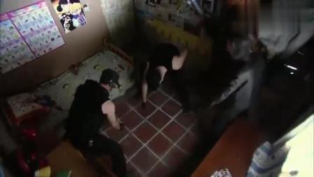 十天十夜:女警发现有一条管道靠近国王别墅,立马带警犬搜索