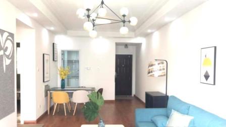 80㎡两居室,现代感不一定非要黑白配,全屋木地板一样时尚清爽