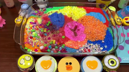 彩虹雪花泥+凯蒂猫水晶泥+化妆品+冰淇淋饰品,DIY史莱姆