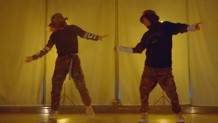 旋律风格双人舞 动作干净 太帅了!