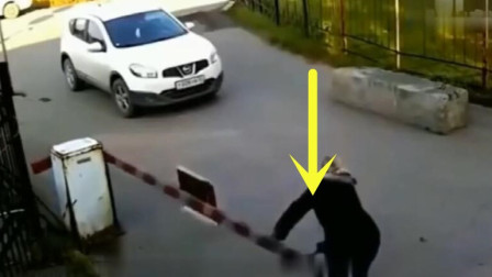 女司机下车做出的举止,简直禽兽不如,监控还原事发全程