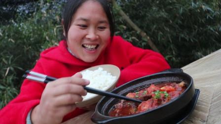 胖妹做番茄牛腩煲,酸爽开胃,又下饭,好吃到胖妹连汤汁都不放过