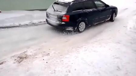 奥迪四驱系统,俄罗斯再厚的雪,也挡不住俄罗斯人开奥迪出门
