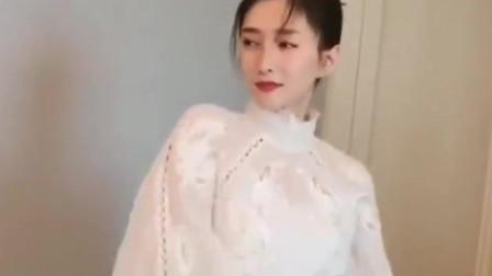 江疏影现场跳舞,白色衬衣搭配波点裙,真好看