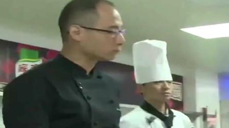 厨王争霸:地狱厨神刘一帆寸步不让! 外方大厨:搞得我想发火!