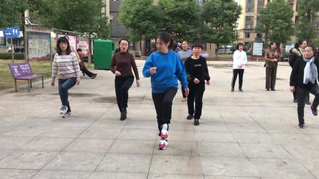 零基础鬼步舞《奔跑》教学,老师标准动作示范,简单好学