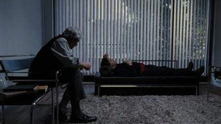 由于频发恐惧症,男子把自己锁在公寓好几年,还好被心理医生治愈