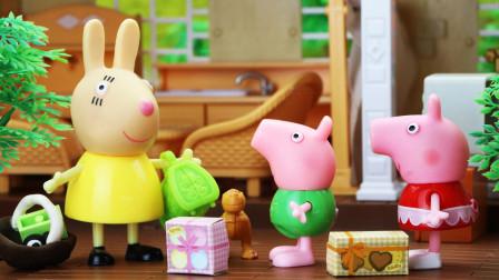猪妈妈约了兔小姐来家里做客,佩奇当起了小主人