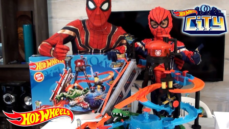 蜘蛛侠和儿子 组装长款跑热轮,猜车,你喜欢吗?