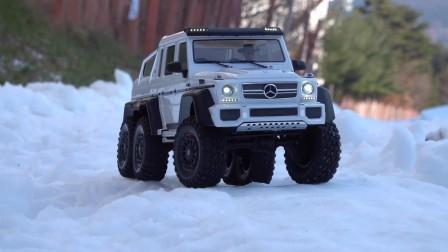 看玩具遥控吉普车在雪山上来一次大冒险吧.mp4