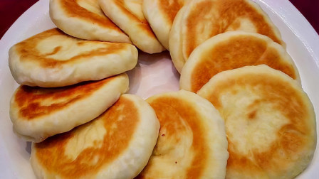 发面饼最简单快速的做法,不用揉面,筷子一搅,比面包还松软好吃