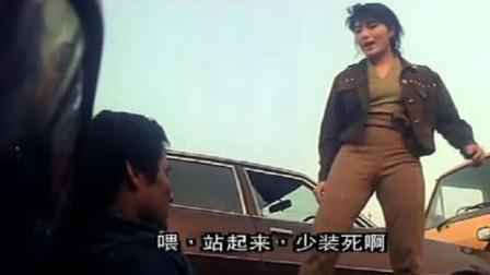 海狼:女警察身手不凡,独自一人对打数名男子,简直是厉害!