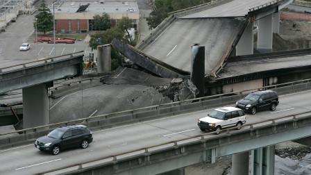 """美国""""第一桥""""意外坍塌,日方不敢接手,中国30天搞定狂赚400亿"""