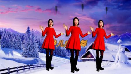 最近很火的一首经典老歌《一剪梅》太好听了,静儿在雪中翩翩起舞