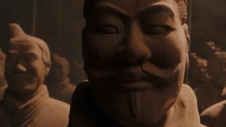 木乃伊3:墓穴中的场景,兵马俑引入眼帘,场面让人震撼十足
