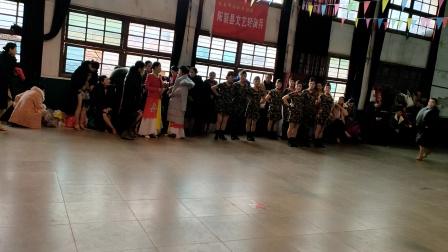 阳新体育协会开年会表演:水兵舞。