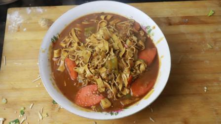 """""""酱爆金针菇""""的家常做法,美味又特别的下饭!先收藏了。"""