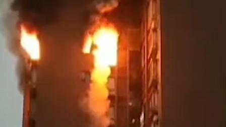 突发!重庆涪陵区居民楼发生火灾致6人 事故原因正在中