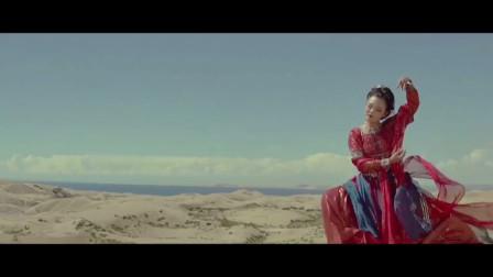 沙漠中的敦煌天女衣服比人漂亮果然是人靠衣装