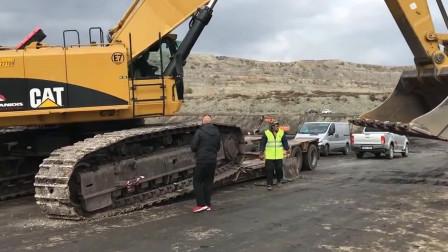 妥妥的挖掘机之王,拖过卡特挖掘机的车板,几乎都报废