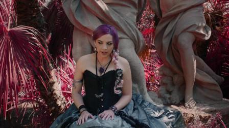 《Katherine》是来自Ixia的最新原创单曲