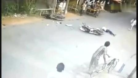 摩托车男子命归西天,要不是监控,根本不知道他是怎么死的
