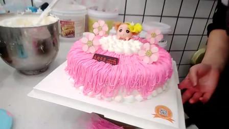 好漂亮的一款粉色娃娃生日蛋糕,女儿看见了特别高兴!