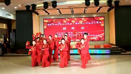 视频录像 萱子;市健身操工委旗袍大队成立三周年庆典联谊会马头琴表演 '张灯结彩'