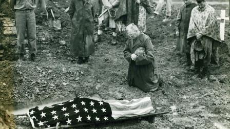 二战太平洋最大战役,美日双方伤亡十五万人,双方统帅全战死