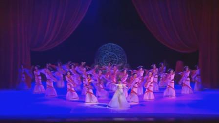 古典舞真的太好看了,翩若游龙宛如惊鸿,水袖善舞