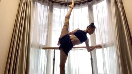 李祎然的舞蹈基本功训练,真的是一位非常自律的优秀舞者!