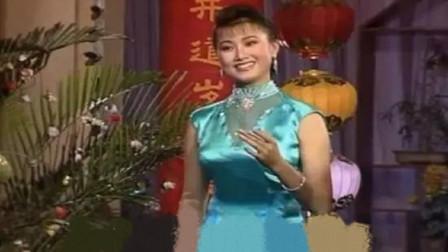 宋祖英真漂亮,深情演唱《小背篓》,开口瞬间回到了过去!