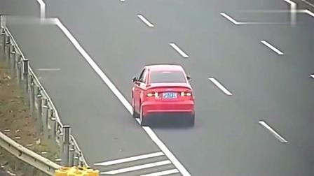 高速路上永远不缺不要命的司机,看完监控,交警不淡定了