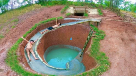 """穷兄弟自建地下""""水滑梯泳池"""",滑下去的那一秒,简直太巴适了!"""