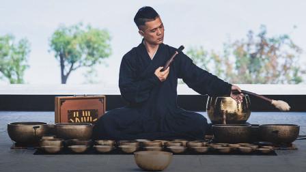 史上最厉害催眠大师,上万人排队两年听他敲碗