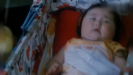老电影片段:冯巩唱歌哄孩子睡觉这段,看一次让人乐一次!