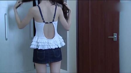 美女洗完澡,刚准备换衣服,衣柜门后居然藏着个男人!
